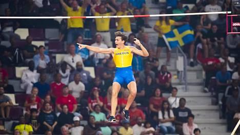 Armand Duplantis saavutti tiistaina seiväshypyn MM-hopeaa.