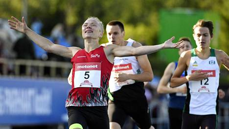 Joonas Rinne voitti miesten 1500 metriä.
