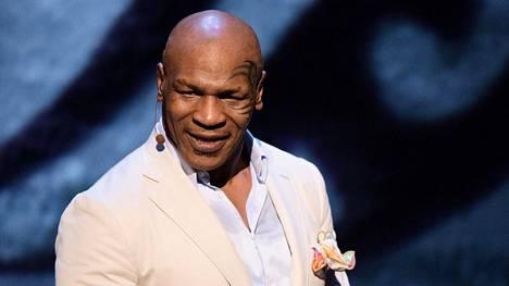 Entinen nyrkkeilijä Mike Tyson kertoo HBO:n tuottamassa lavashow'ssa oman elämänsä vaiheista – tietenkin omasta näkökulmastaan.