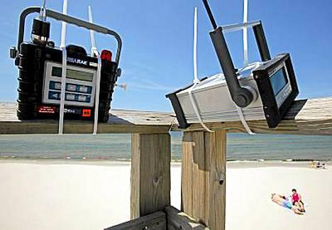 Ilmanlaatua tarkkailevat monitorit Dauphin-saarella Alabamassa.