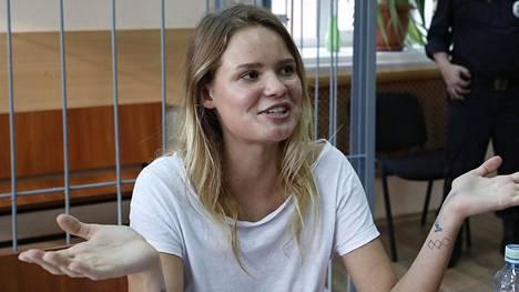 Veronika Nikulshina tuomittiin 15 päiväksi vankilaan.