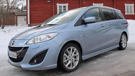 Tällainen Mazda osoittautui ongelmalliseksi asiakkaalle. Kuvan autoyksilö ei liity tapaukseen.