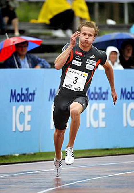 Suomen nopein mies Visa Hongisto vei 200 metriä näytöstyyliin.