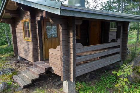 Sauna sai uuden ilmeen sisältä ja ulkoa.