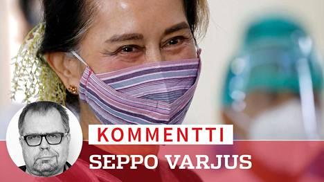 Aun San Suu Kyi oli juhlittu sankari, josta tuli ensin valtiojohtaja, sitten ihanteidensa pettäjä ja lopulta taas vanki.