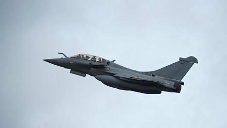 Ranskan ilmavoimien Rafale-hävittäjä kuvattuna Saint-Dizierin lentotukikohdassa lokakuussa 2019.