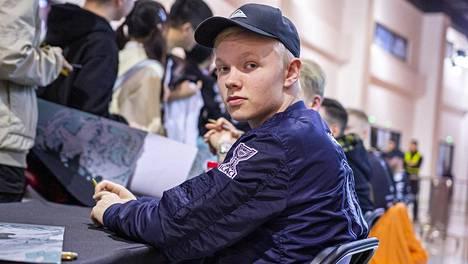 """Maaliskuussa 18 vuotta täyttävä Jere """"sergej"""" Salo oli yksi viime vuoden parhaista CS-pelaajista."""