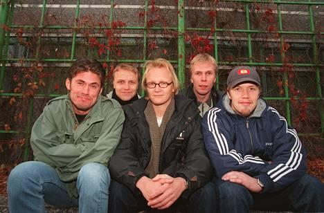 1998: Julmahuvi-ryhmä eli Tommi Korpela, Jani Volanen, Janne Reinikainen, Jukka Rasila ja Petteri Summanen.