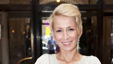 Rakel Liekki on muuntautunut aikuisviihdetähdestä arvostetuksi toimittajaksi ja tv-kasvoksi.