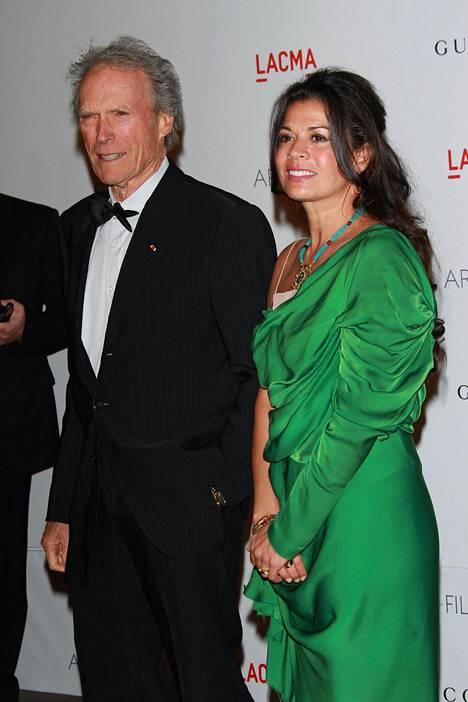 Clint Eastwood erosi ex-vaimostaan Dina Ruizista vuonna 2014.