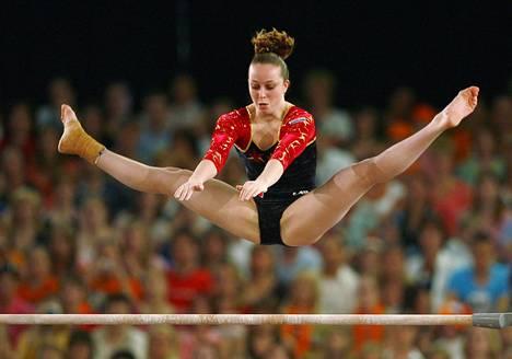 Verona van de Leur taituroi eritasonojapuilla vuoden 2007 EM-kisoissa.