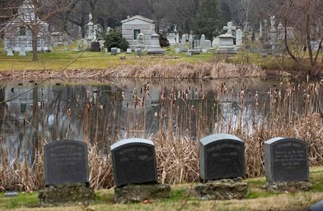 Yleiskuva Woodlawnin hautausmaalta New Yorkista.