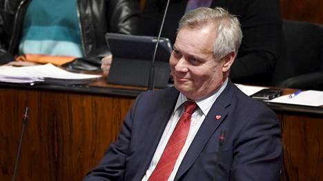 SDP:n puheenjohtaja Antti Rinne puhuu eduskunnan kyselytunnilla Helsingissä torstaina 3. toukokuuta 2018.