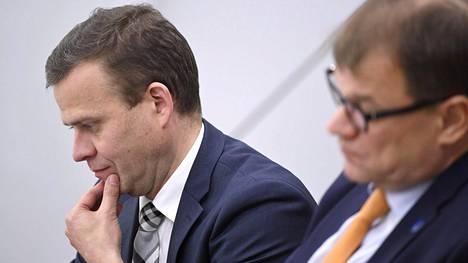 Valtiovarainministeri Petteri Orpo ja pääministeri Juha Sipilä.
