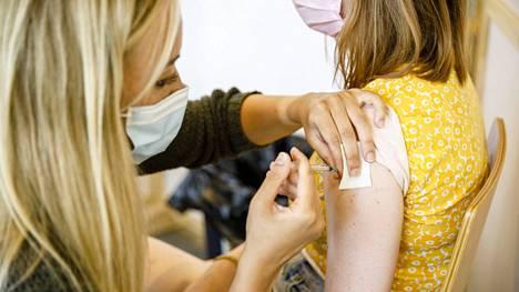 Asetuksen 12-15-vuotiaiden rokottamisesta on määrä tulla voimaan elokuussa. Arkistokuva.