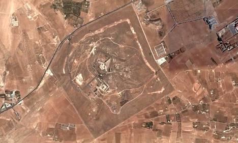 Ainoat kuva Saidnayan vankilasta on otettu satelliitilla. Yksikään ulkopuolinen tarkkailija tai toimittaja ei ole päässyt vierailemaan paikalla, joka sijaitsee noin 30 kilometriä Damaskoksesta pohjoiseen.