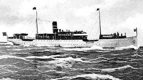 Arcturus toi alkuvuonna 1918 jääkäreitä Suomeen, ja sodan aikana sillä kuljetettiin sotalapsia turvaan Ruotsiin. 1950-luvun loppupuolella romutettu alus ehti liikennöidä 57 vuotta.