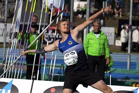 Lassi Etelätalo heitti Kalevan kisoissa Suomen mestariksi tuloksella 84,11.
