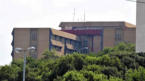 Mandelaa hoidetaan pretorialaisessa sairaalassa.