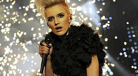 Elin Blom osallistui viime keväänä Suomen euroviisukarsintoihin Sister Twister -yhtyeensä kanssa.
