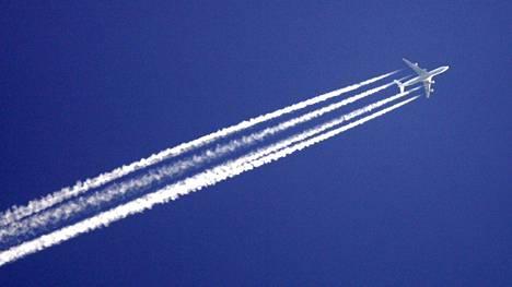 Kansalaisaloite matkustajakohtaisesta lentoverosta keräsi tarvittavan määrän allekirjoituksia.