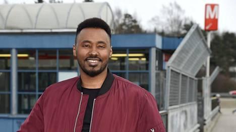 Suldaan Said Ahmed kuvattuna Kontulan metroasemalla huhtikuussa 2017.