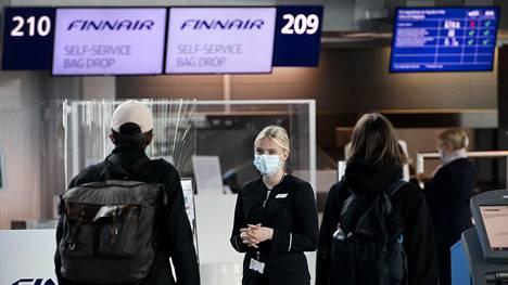Finnairin vähennykset koskevat esimerkiksi asiakaspalvelua Helsinki-Vantaan lentoasemalla.