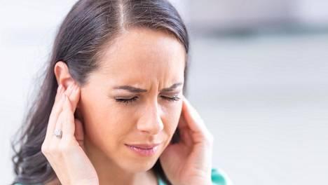 Tinnitus tarkoittaa jatkuvaa korvien vinkunaa tai kohinaa, joka yleensä on seuraus sisäkorvan vaurioitumisesta kovassa melussa.