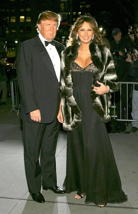 Pariskunta gaalaillassa New Yorkissa lokakuussa 2005.