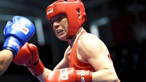 Mira Potkonen ottelussa Ruotsin Agnes Alexiussonia vastaan GeeBee-turnauksessa Helsingissä 2019.