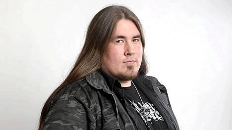 Antti Railio, 28, Seinäjoki. Ammatti: Muusikko