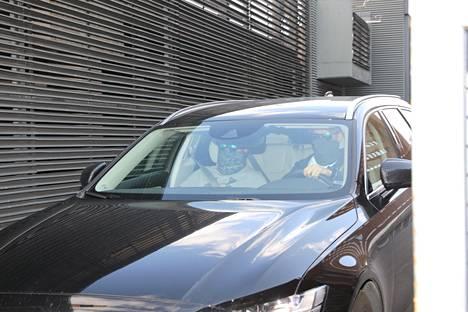 Sofia Belórf kuljetettiin pois Helsingin käräjäoikeudesta mustassa autossa, jonka ikkunat olivat tummennetut.