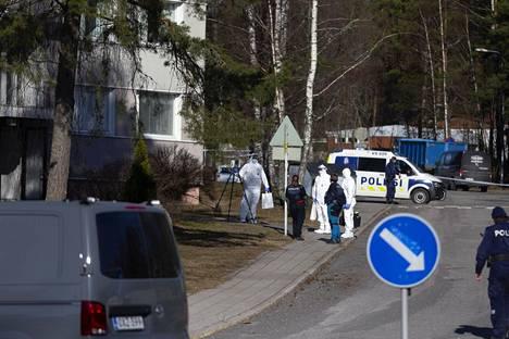 Paavolankadulla asunut 27-vuotias mies menehtyi Pernon ammuskelussa lauantaina aamuyöllä. Ammuskelussa kuoli myös sivullinen 25-vuotias nainen.
