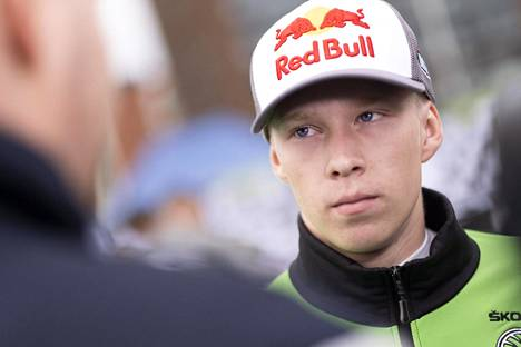 Lokakuussa armeijaan mennyt Kalle Rovanperä pääsee ensi kaudella WRC-auton rattiin.