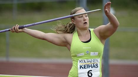 Heidi Nokelainen heitti kauden kärkituloksen.