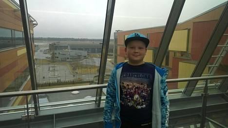 Paavo Minkkinen, 11, jäi jumiin Eurooppaan.