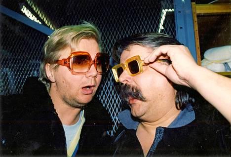 Huumorikaksikko Petelius–Hietanen ja Hei Hulinaa vuonna 1989.