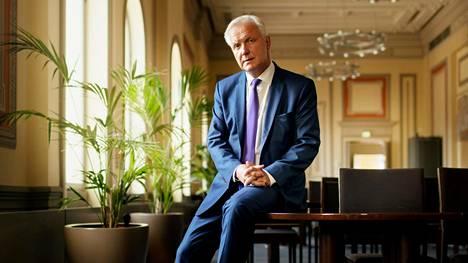 Olli Rehnin mielestä Eurooppa on toistaiseksi kyennyt rauhoittamaan kauppapoliittisen rintamansa.