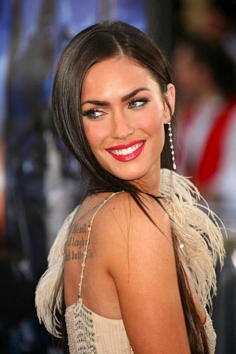 Jo nuoresta asti mallin töitä tehnyt Megan Fox on nähty myöhemminkin näytöslavoilla.