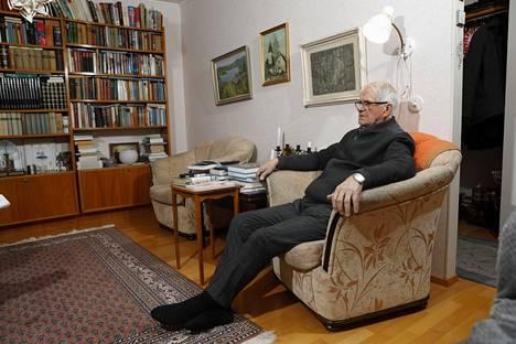 Martti Mäkinen kertoi kotonaan Tikkakoskella Summan taistelusta.