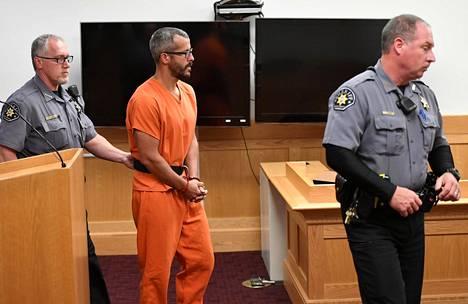 Christopher Watts kuvattuna oikeudessa elokuussa.