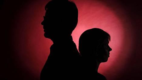 Ruotsalaisessa sarjassa pariskunnat pyrkivät löytämään yhteisen sävelen eron keskellä.