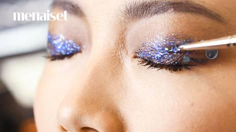 Glittersilmämeikki New Yorkin muotiviikoilta.