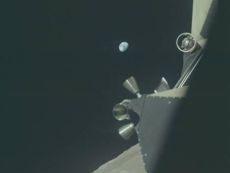 Maa-näkymä Apollo 17 -lennolta joulukuussa 1972. Sen jälkeen Kuussa ei ole käyty.