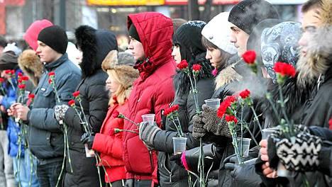 Muistotilaisuus järjestettiin kaupungin keskustassa Pushkinin aukiolla.