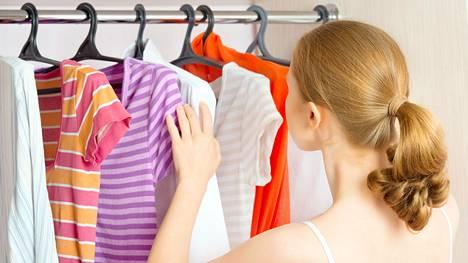 Vaatteiden säilytys aiheuttaa päänvaivaa monessa kodissa.