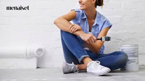 Maaliroisketta tai paljetteja pintaan, ja kengillä on uusi elämä.