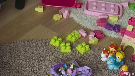 Lastenhuoneessa on usein liikaa tavaraa.