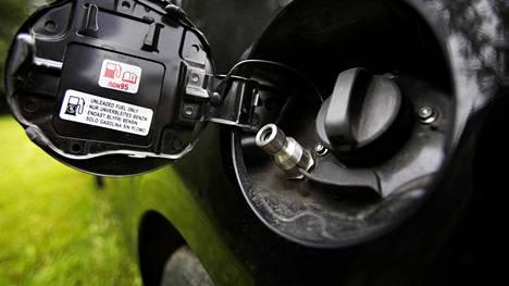 Muun muassa Suzuki Swift kulkee kaasun voimalla. Kaasuautojen hitaaseen suosion kasvuun saattaa vaikuttaa se, että tankkausasemat sijaitsevat eteläisessä Suomessa. Pohjoisin löytyy Uudestakaarlepyystä.