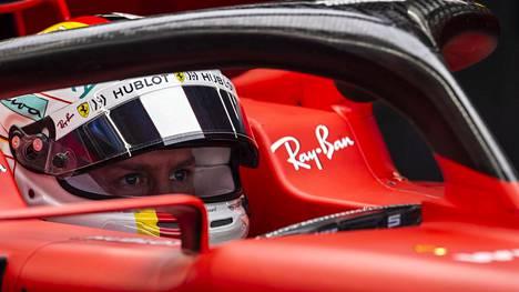 Sebastian Vettelin päivät Ferrarin ohjaamossa ovat ohi.